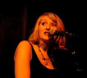 Claire Gimatt – Compositrice, Interprète, Musicienne